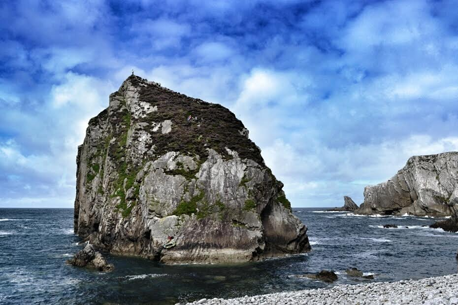 Extreme geocaching: who will be FTF on these sea stack geocaches in Ireland?